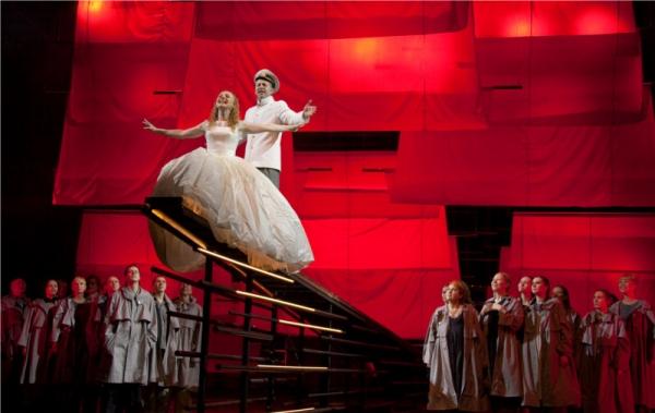 Сцена из мюзикла Алые паруса в Пермском  академическом Театре-театре