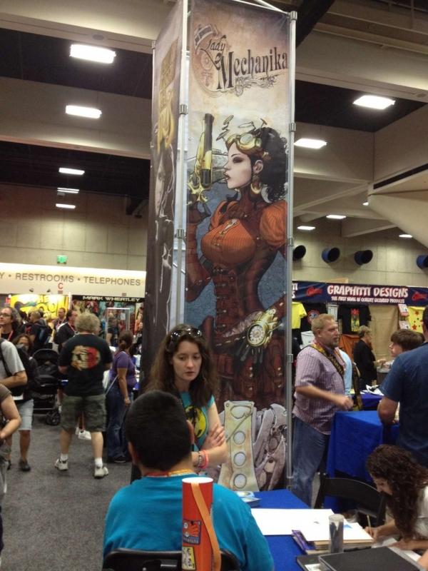 Фотографии стим-прилавков ComicCon`а 2012 (Фото 11)