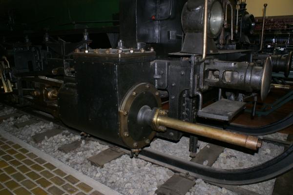 Печатные машинки, арифмометры, трамваи и паровозы. Музей техники в Будапеште и просто в городе. (Фото 21)