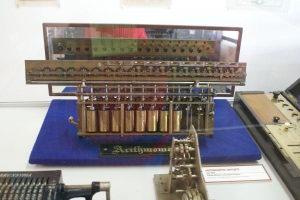 Печатные машинки, арифмометры, трамваи и паровозы. Музей техники в Будапеште и просто в городе. (Фото 7)