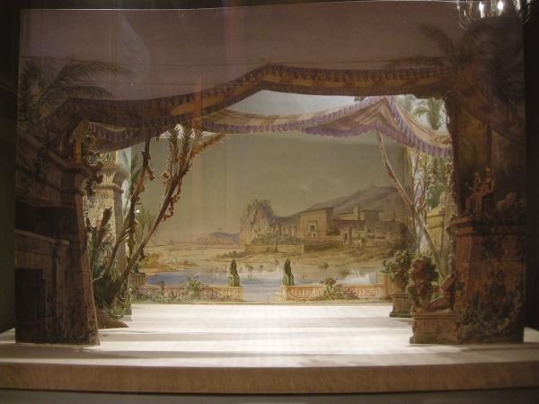 Театральные макеты 19-го века (новая экспозиция театрального музея СПБ) (Фото 2)
