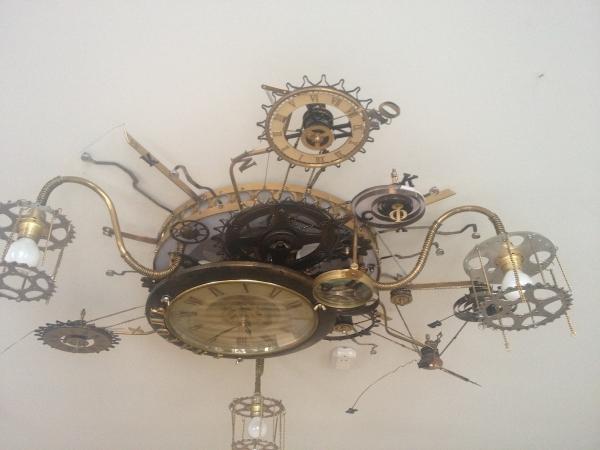 Люстра-часы