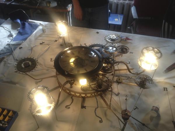 Люстра-часы (Фото 11)