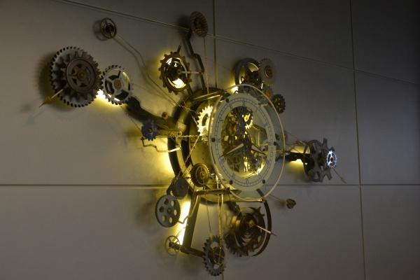 Часы (из серии взрыв на шестереночной фабрике)