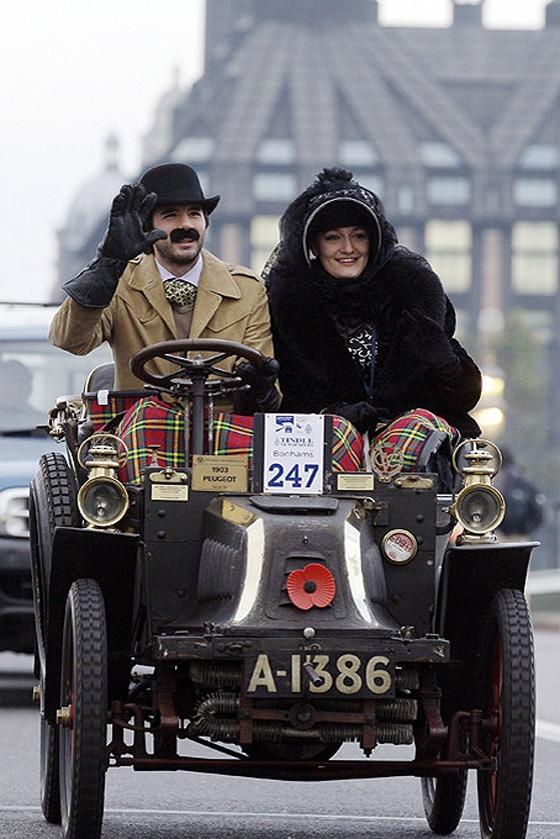 А в Лондоне...  [Фото с автопробега ретропаромобилей из Лондона в Брайтон] (Фото 12)