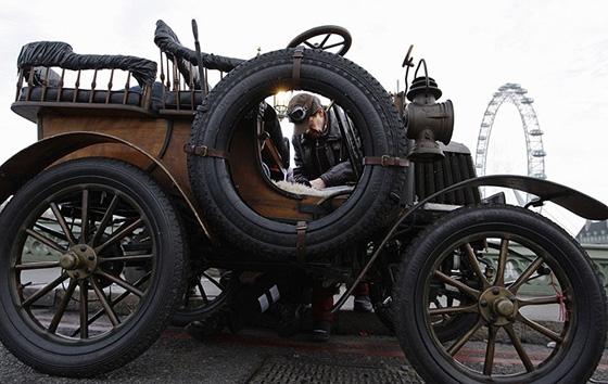 А в Лондоне...  [Фото с автопробега ретропаромобилей из Лондона в Брайтон] (Фото 11)