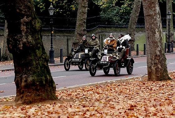 А в Лондоне...  [Фото с автопробега ретропаромобилей из Лондона в Брайтон] (Фото 7)