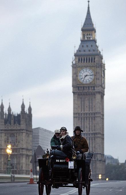 А в Лондоне...  [Фото с автопробега ретропаромобилей из Лондона в Брайтон] (Фото 9)
