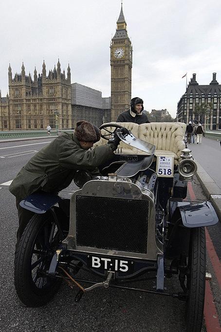 А в Лондоне...  [Фото с автопробега ретропаромобилей из Лондона в Брайтон] (Фото 2)