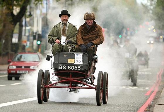 А в Лондоне...  [Фото с автопробега ретропаромобилей из Лондона в Брайтон] (Фото 13)