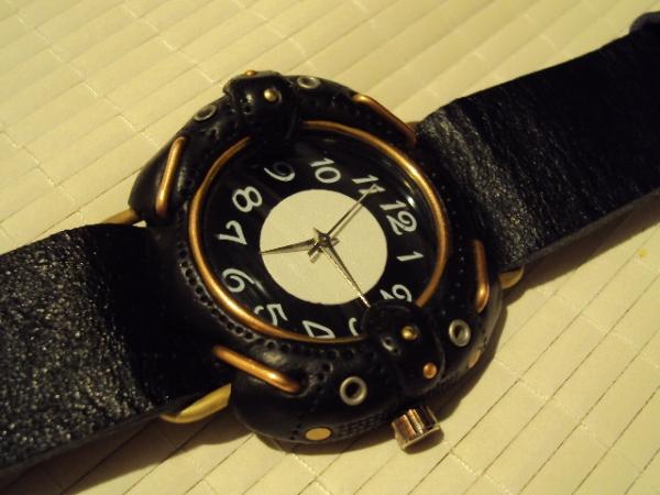 Первые часы из глины. (Фото 2)
