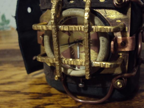Часы Bioshock (Фото 7)