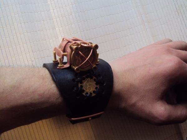 Часы жук. (Фото 5)