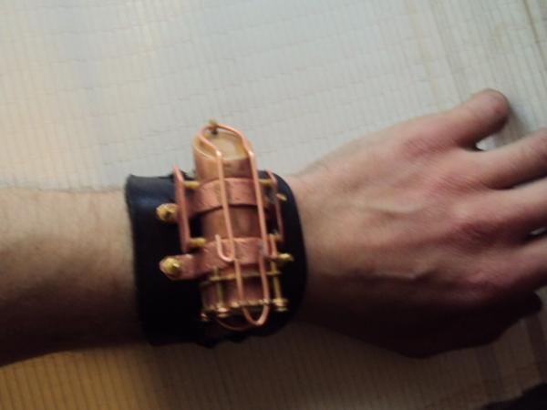Часы жук. (Фото 4)