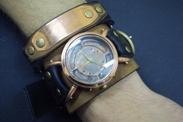 Часы Монолит