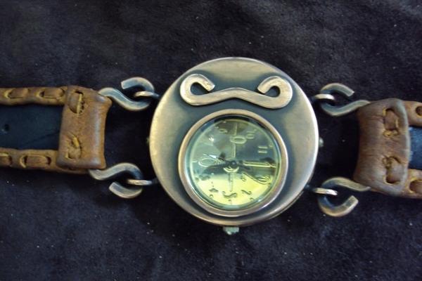 Часики, как часики. Просто и просто.