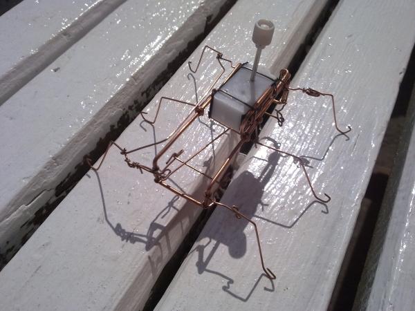 паучки из проволочек. Ну не совсем паучки.. ну не только из проволочек )) (Фото 7)