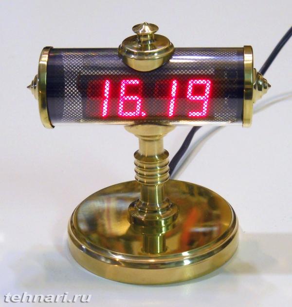 Простые часы в стиле стимпанк
