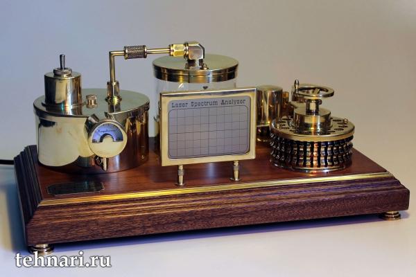 Стимпанк усилитель с механическим анализатором спектра