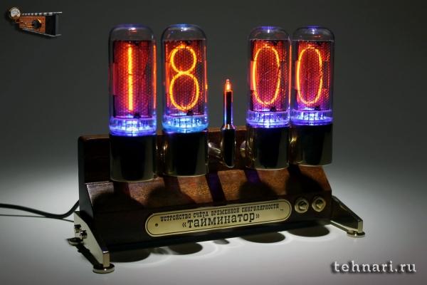 Настольные часы Тайминатор