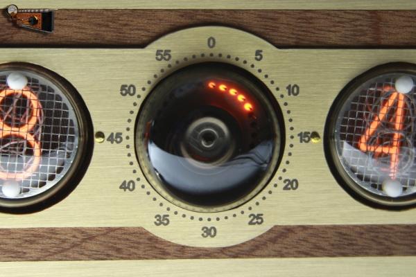 Настольные часы Спутник