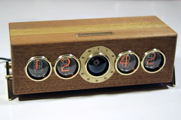 Второй вариант корпуса часов Спутник
