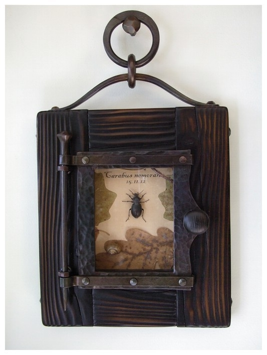 Стимпанк-багет и винтажный гербарий.
