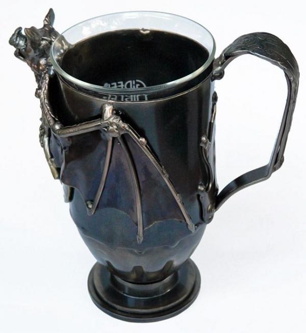 Чаепитие с вампиром :)