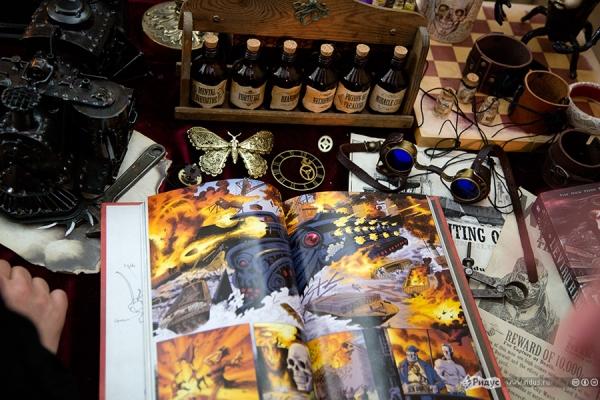 Стенд Steampunk на фестивале рисованных историй КомМиссия