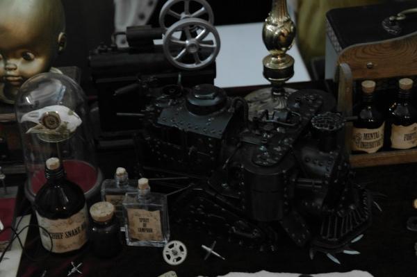 Стенд Steampunk на фестивале рисованных историй КомМиссия (Фото 12)