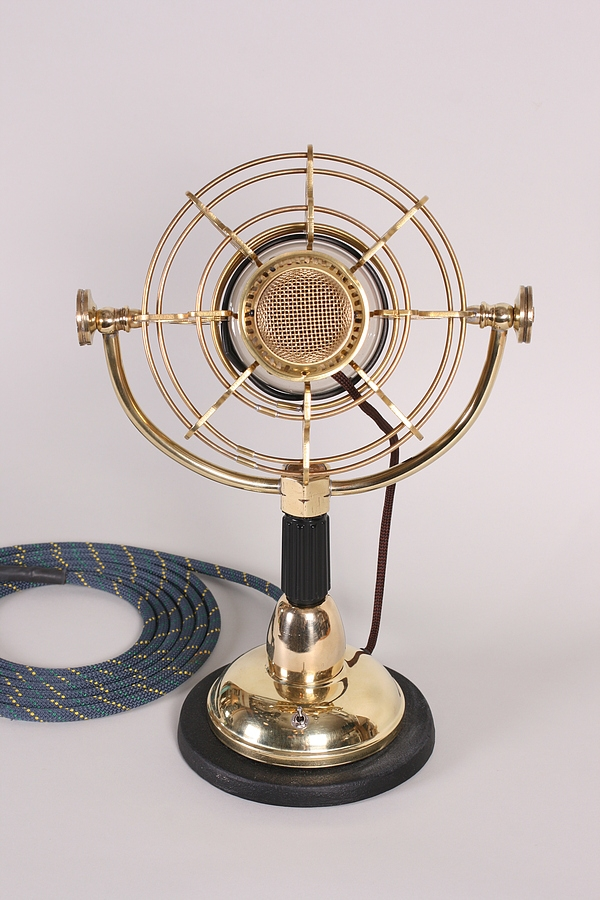 Girl Genius Radio Theater Microphone (Фото 4)