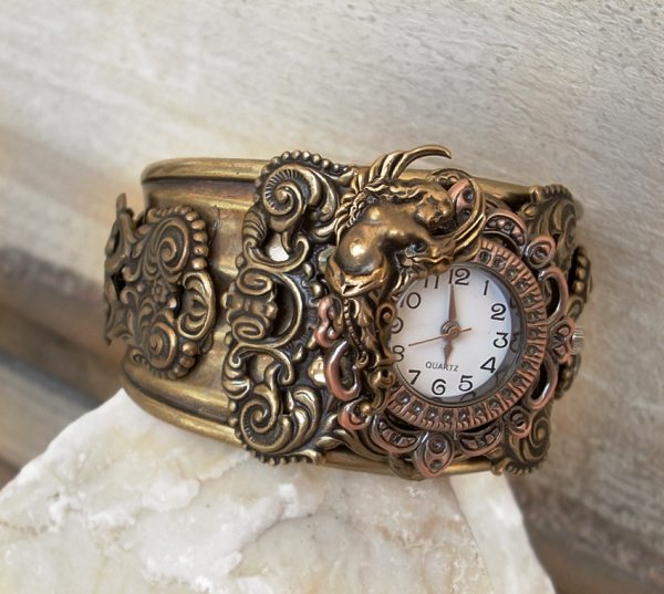 Украшения и часы от Вики :)