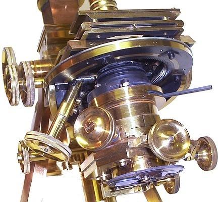 Старинные микроскопы. (Фото 19)