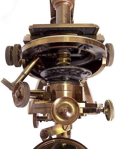 Старинные микроскопы. (Фото 13)