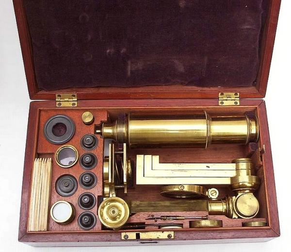 Старинные микроскопы. (Фото 51)