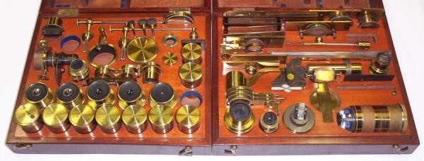 Старинные микроскопы. (Фото 28)