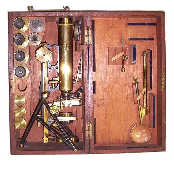 Старинные микроскопы. (Фото 48)
