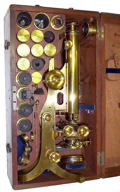 Старинные микроскопы. (Фото 23)