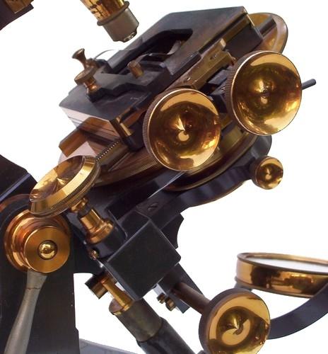 Старинные микроскопы. (Фото 7)
