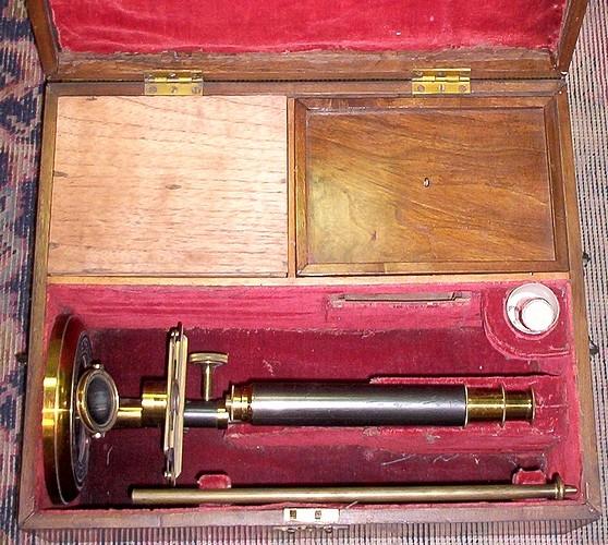 Старинные микроскопы. (Фото 3)