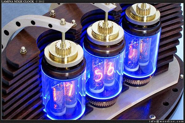 Не на конкурс , но интересно. Часы Lamina Nixie Clock . (Фото 2)