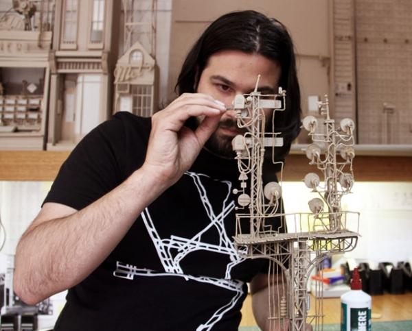 Daniel Agdag - поэзия бумаги, скульптура из картона. Или кто сказал, что замки должны быть воздушными? (Фото 2)
