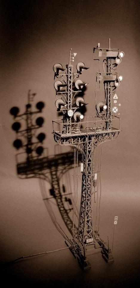 Daniel Agdag - поэзия бумаги, скульптура из картона. Или кто сказал, что замки должны быть воздушными? (Фото 17)