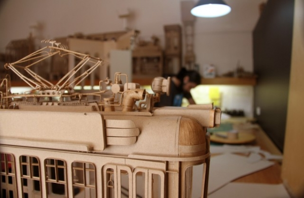 Daniel Agdag - поэзия бумаги, скульптура из картона. Или кто сказал, что замки должны быть воздушными? (Фото 15)