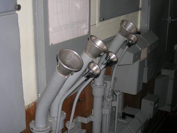 """Переговорные трубы - """"непотопляемый телефон"""". (Фото 43)"""