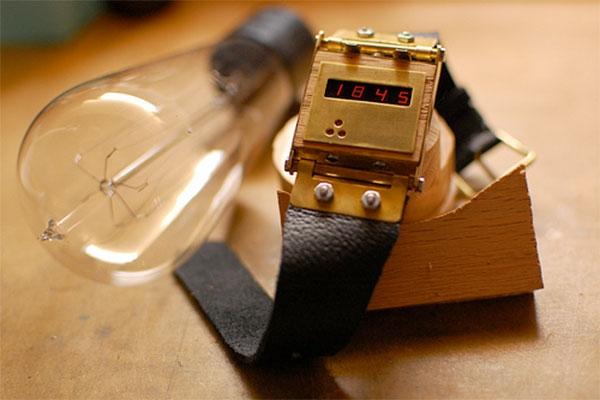 Электронные часы в стимпанк стиле. (Фото 3)