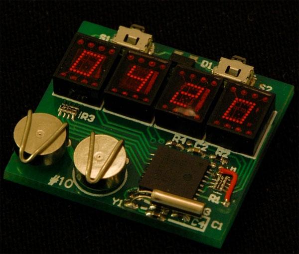 Электронные часы в стимпанк стиле. (Фото 4)
