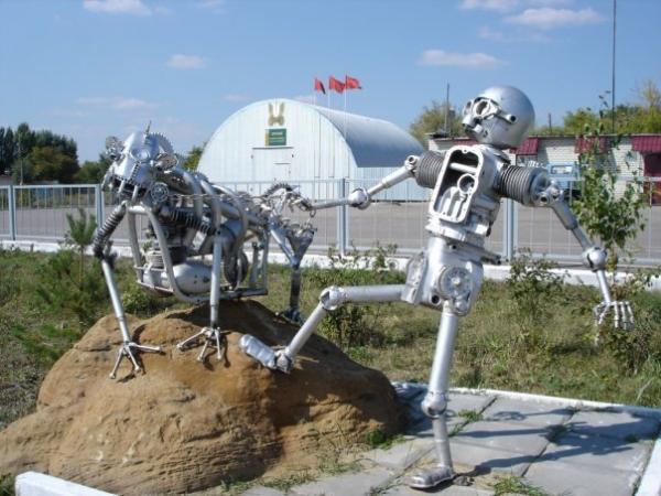 Статуи из металлома-ЗАТО Светлый (Фото 3)