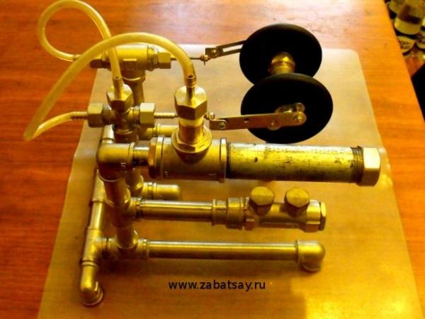 Паровой двигатель без станков и инструментов.
