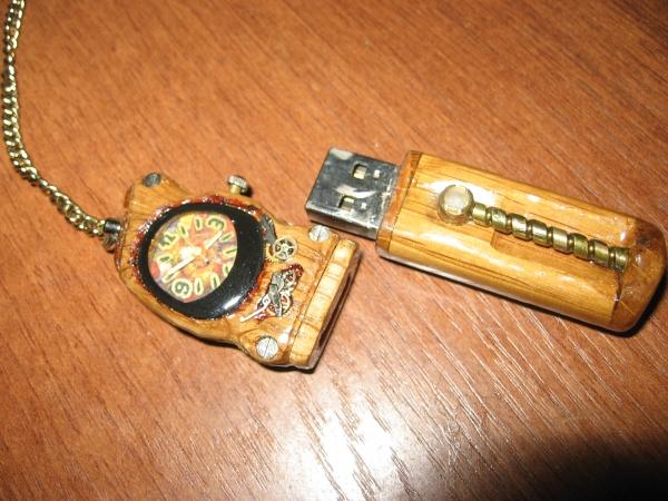 Флешка с часами. (Фото 4)
